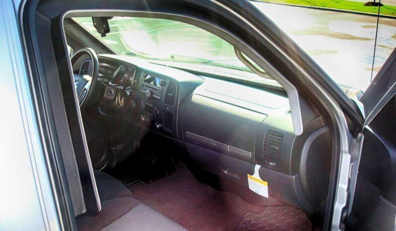 Armored Chevrolet Silverado 1500 full