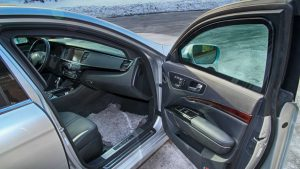 TAG Armored KIA K900 with reinforced door hinges and bulletproof glass