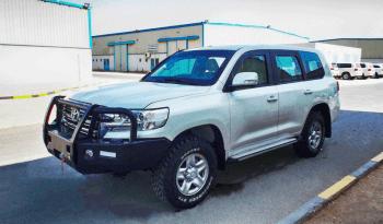 Armored Toyota Land Cruiser (TLC) 200 Series full