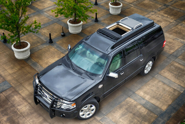 Top of armored Ford Expedition Presidential SUV picture
