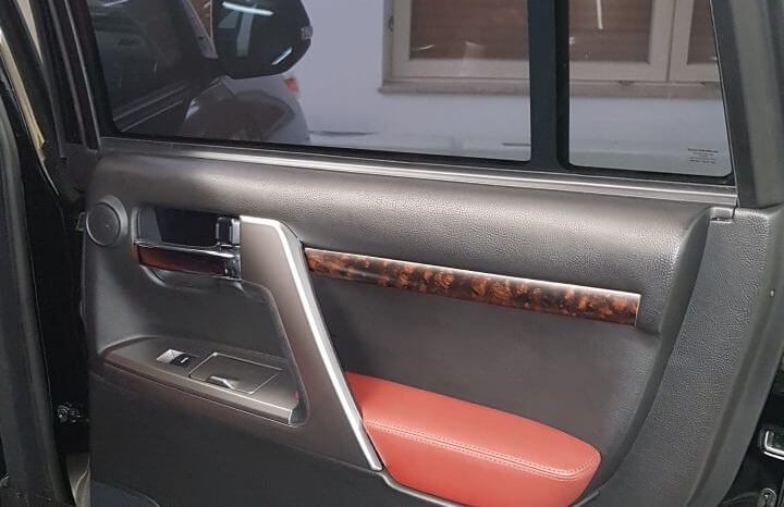 TAG 2014 Armored Toyota Land Cruiser (TLC) 200 Backseat Door Panel