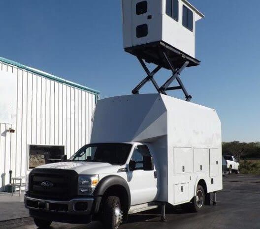 TAG Terrahawk Mobile Surveillance Tower Lift Supreme Lift 025 Exterior Corner View