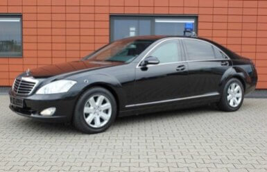 Armored Group 2009 Armored Mercedes-Benz S420 Side